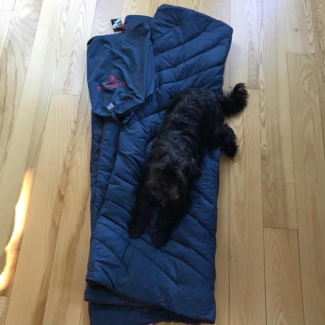 Montem Sneaky Snuggler Puffy Camping Blanket